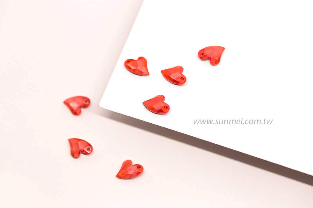 EPMA02P-002-iceberg-heart-pendants-pearl