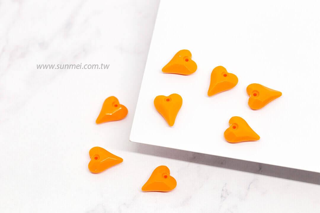EPMA04F-002-heart-pendants-opaque