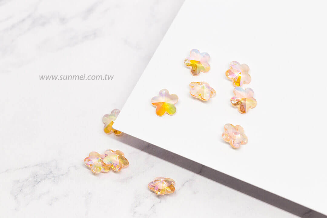 EPMA05AB-002-flower-pendants-transparent-ab