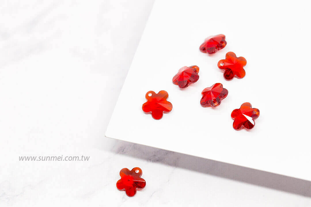 EPMA05T-002-flower-pendants-transparent