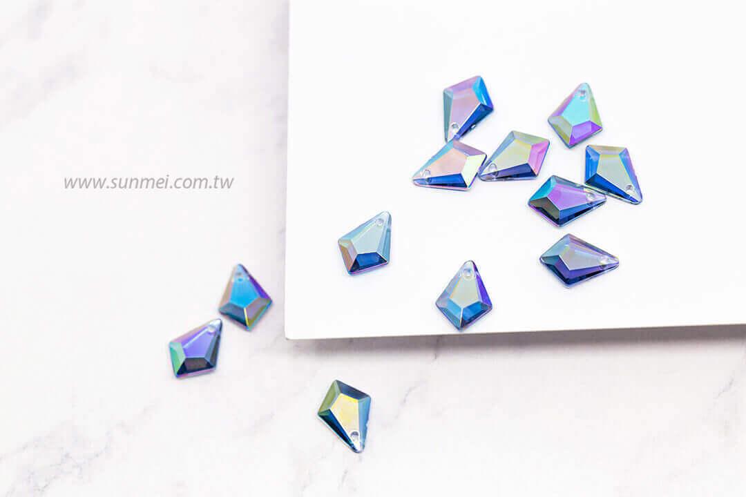 EPMA06AB-002-diamond-pendants-transparent-ab