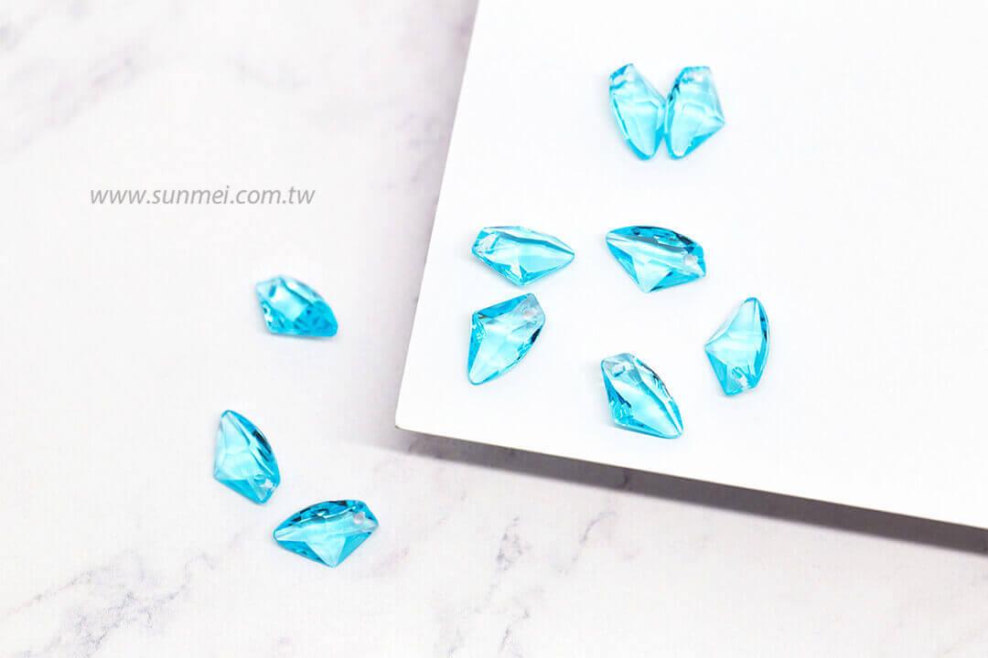 EPMA07T-002-iceberg-pendants-transparent