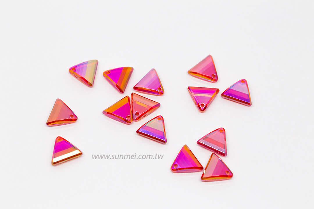 EPMA08AB-002-triangle-pendants-transparent-ab