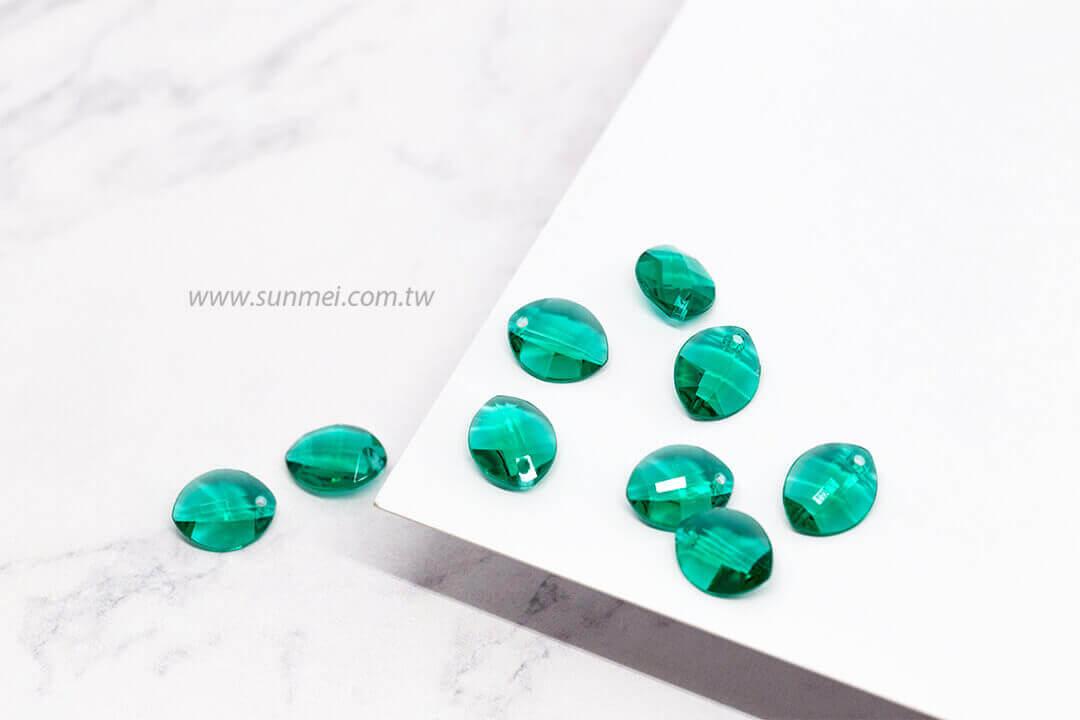 EPMA09T-002-leaf-pendants-green rhinestones