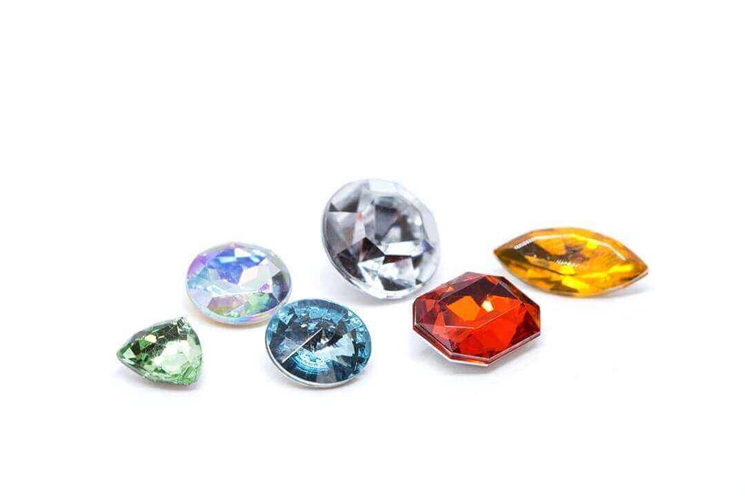 Diamantes de imitación sin agujeros