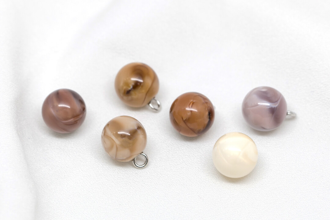 small round pearl buttons