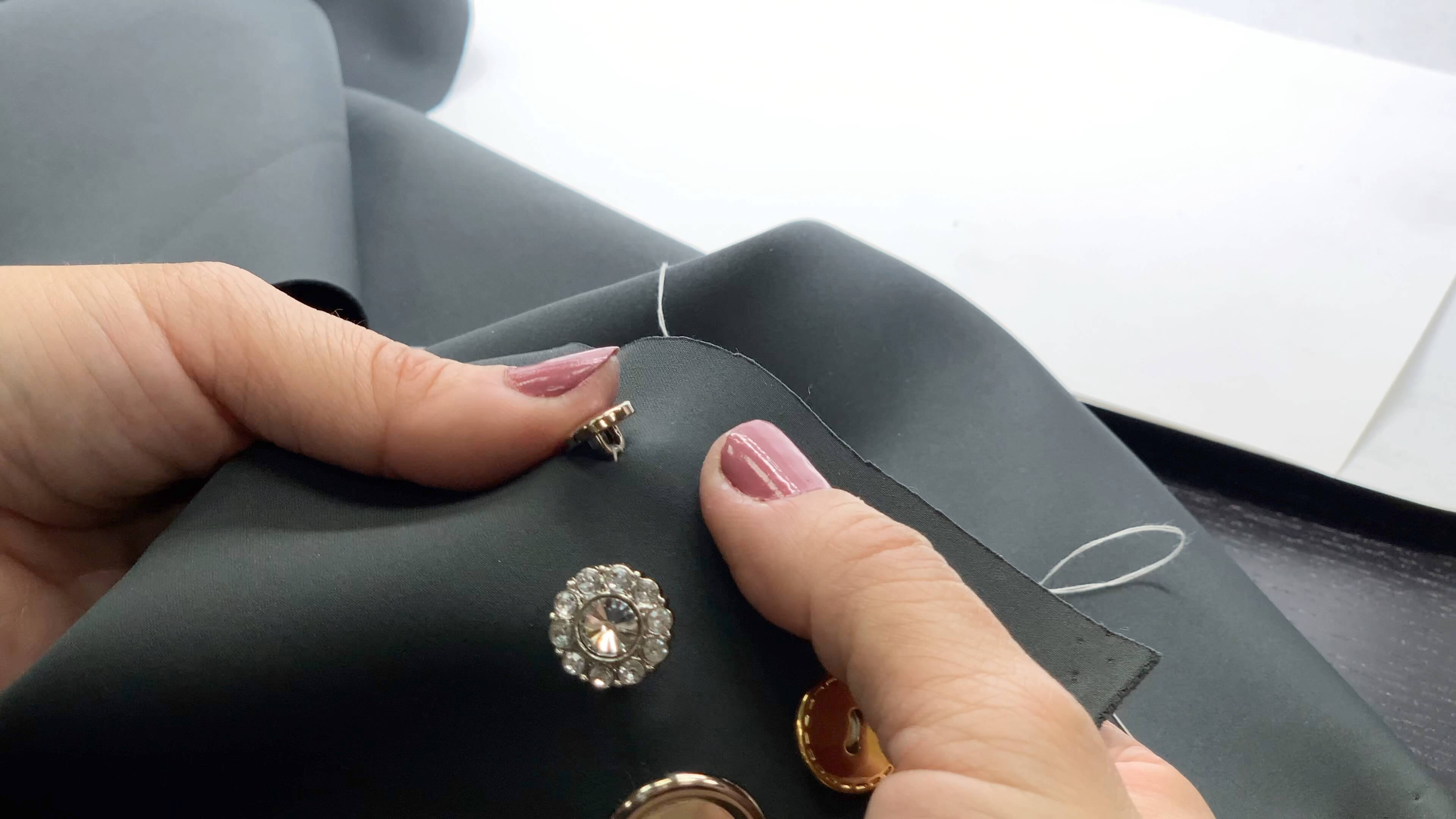 shank button-8 How to Sew a Sdhank Button