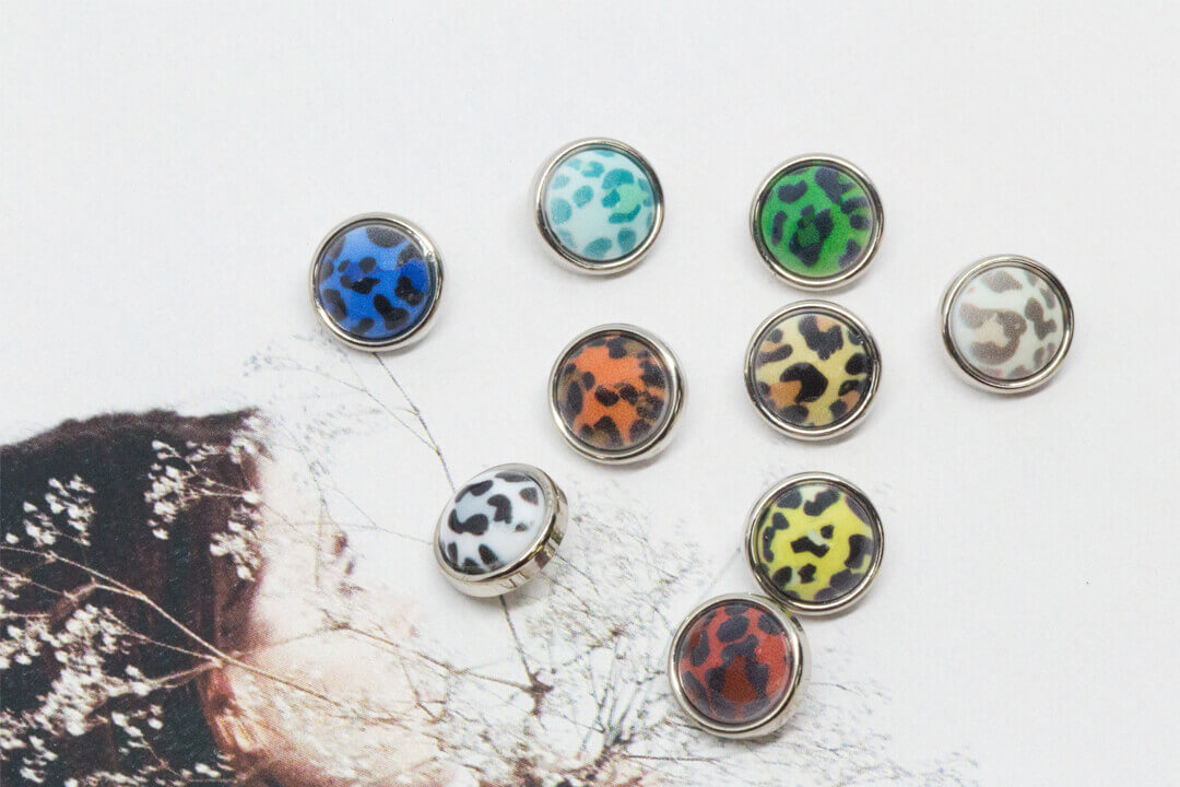 leopard print buttons-mix colors