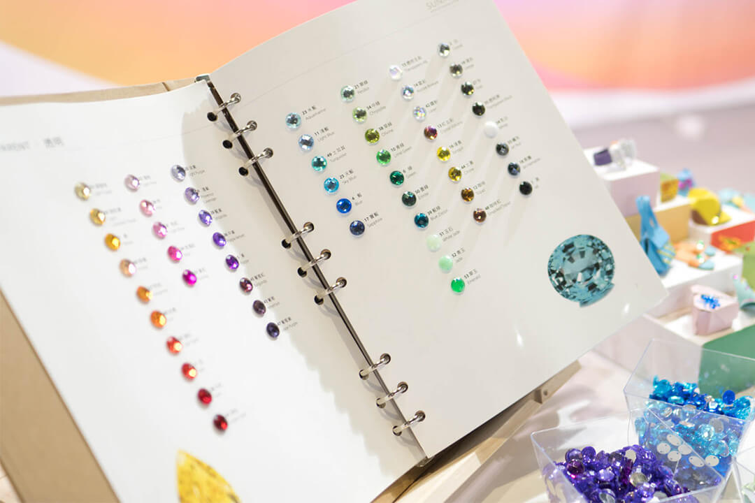 What Color is Rhinestone? Complete Rhinestone Color Chart